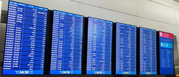 ドバイ国際空港_電光掲示板