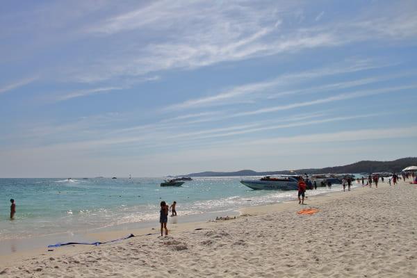 サメット島_ビーチ