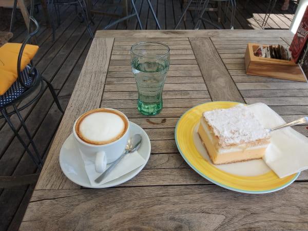 スロヴェニア_ブレッドケーキ