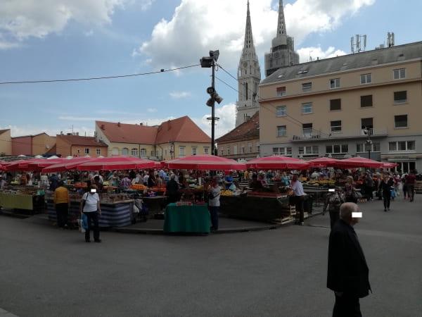 ザグレブ_イェラチッチ広場